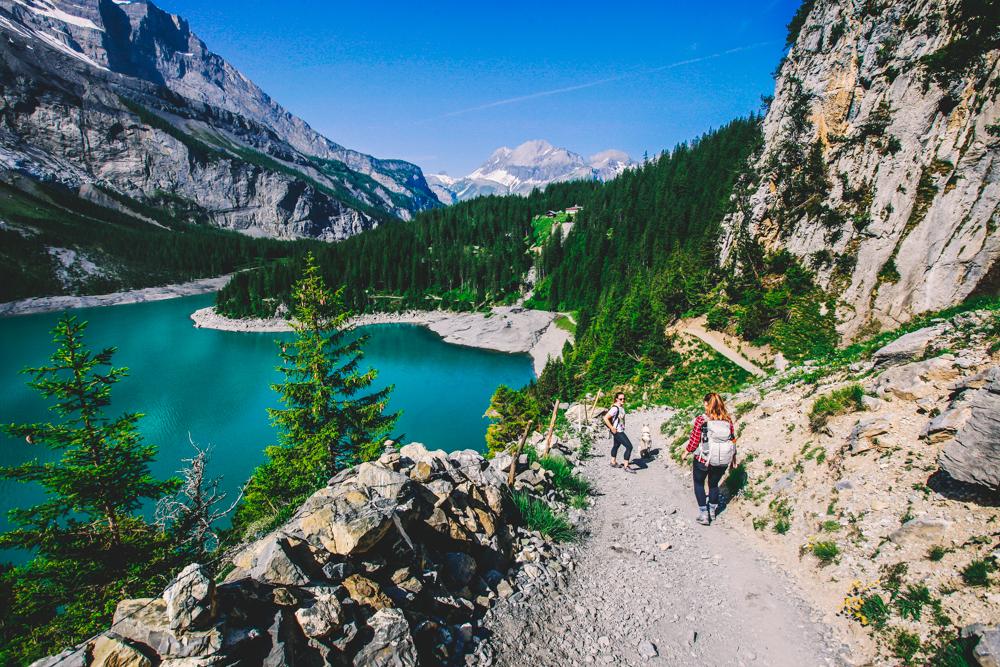 Packliste für eine Tageswanderung in den Schweizer Bergen