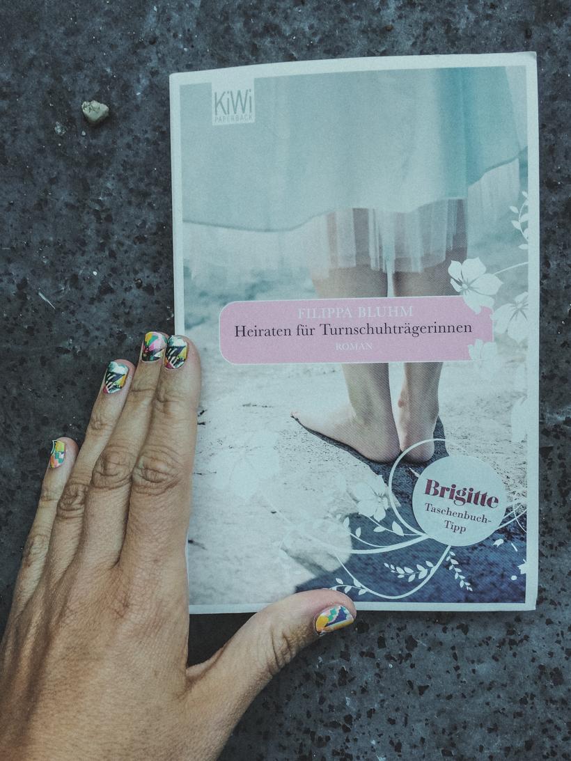 Heiraten in H&M? Das Richtige für Turnschuhträgerinnen?
