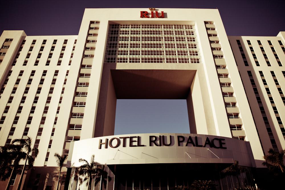 FILMzine: Wir tummeln uns für #TUILifestyle im mexikanischen Designkoloss Hotel RIU PALACE PENINSULA CANCUN!