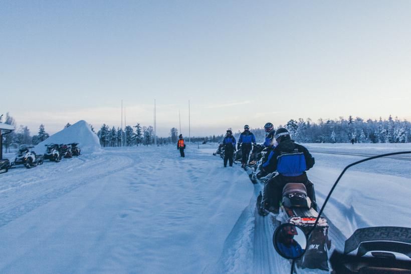 Wenn der Name Programm wird: Wir mutieren zum FLYCAR bei der Rallye on Ice in Lappland!!!