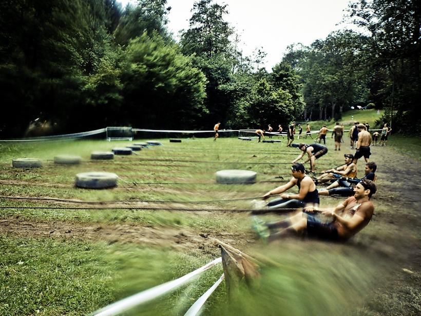 REEBOK SPARTAN RACE in Köln/ Wiehl: Unser Erfahrungsbericht von Matsch, Höhenluft & Stacheldraht