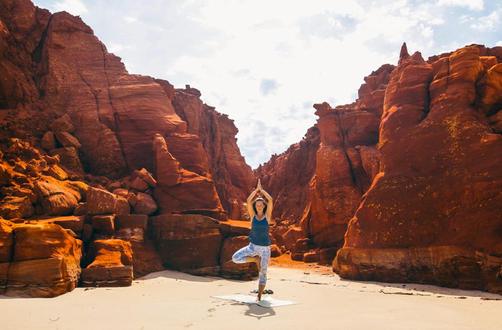 Und wenn du magst, trainieren wir im kommenden Jahr auch gerne mal zusammen. Immerhin bin ich ja nun zertifizierte Functional Yoga Trainerin und du hast vielleicht Lust, dich gemeinsam mit mir auf die Matte zu wagen und dem Freedi-Yoga-Flow zu verfallen :D