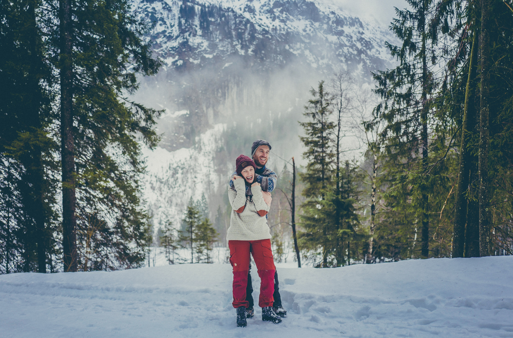 Winterwandern in Oberbayern - durch den Schnee zum Frillensee & unsere romantische Fackelwanderung