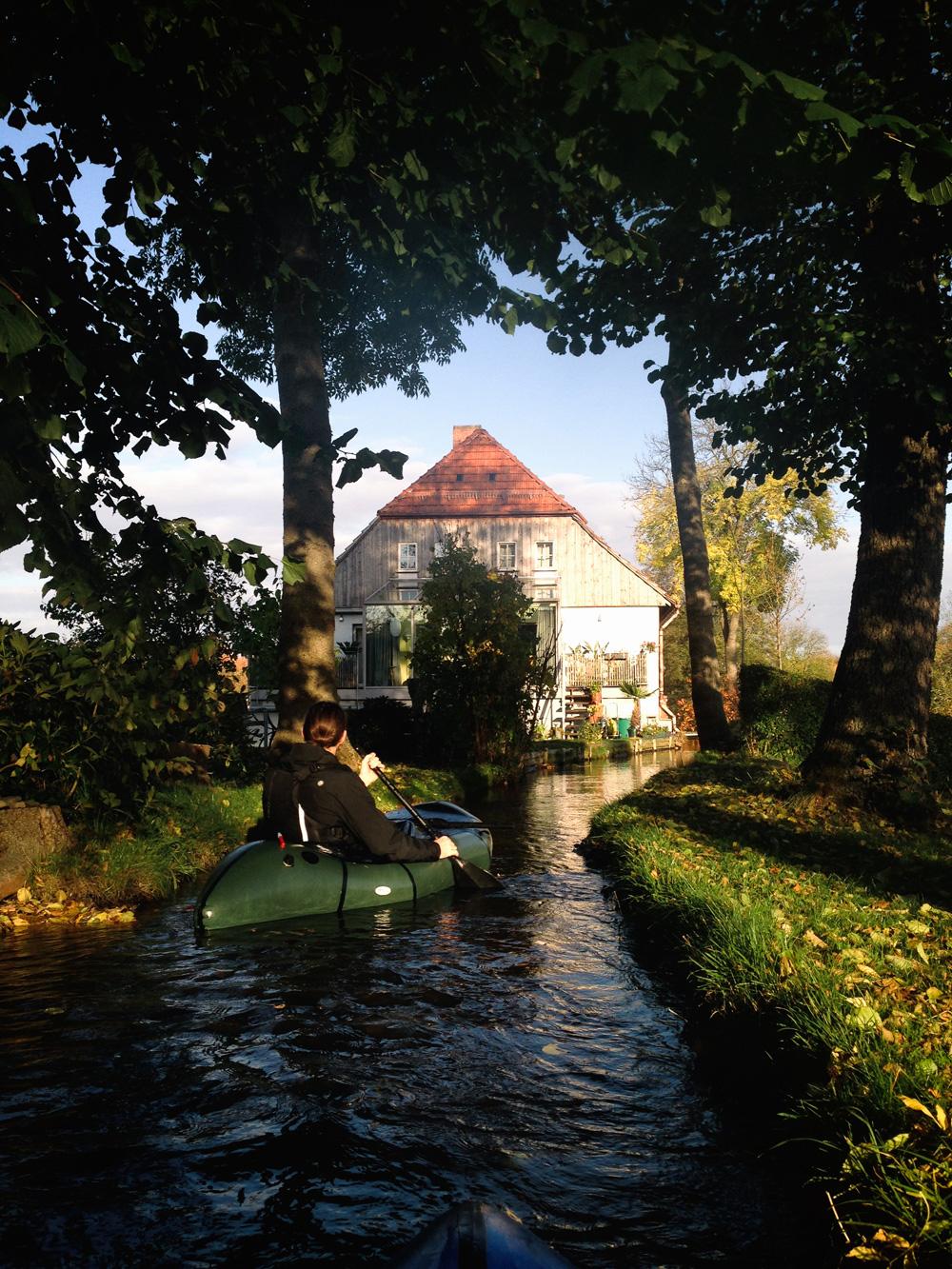 packrafting-wasser-kanu-wandern-deutschland-lappland